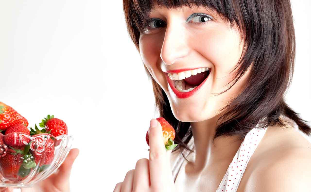 Strawberries Brunette